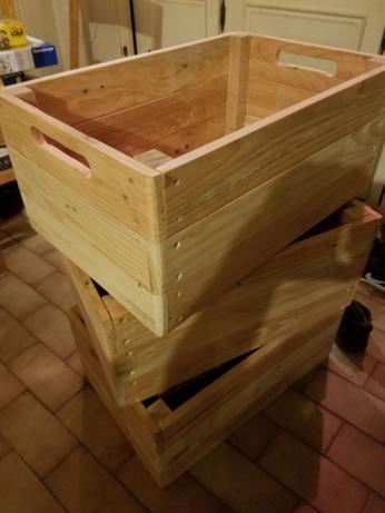Les 3 caisses, empilées